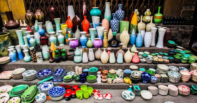http://phincoffee.vn/www/uploads/images/a-corner-of-Bat-Trang-ceramic-village.jpg